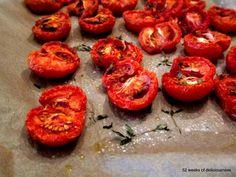 Tomato hummus made of roasted tomatoes Roasted Tomatoes, Hummus, Stuffed Peppers, Vegetables, Fruit, 52 Weeks, Food, Stuffed Pepper, Essen