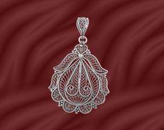 Pendant Quilling Jewelry, Filigree Jewelry, Bead Jewellery, Silver Filigree, Stone Jewelry, Metal Jewelry, Pendant Jewelry, Jewelry Art, Beaded Jewelry