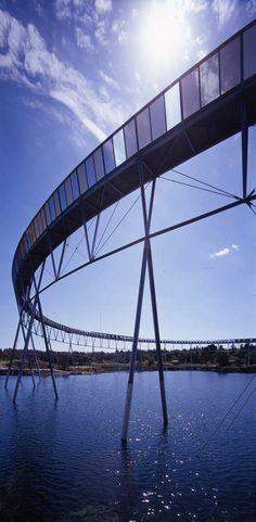 The Brick Pit Ring Walk, Homebush Bay, Sydney, Australia by Durbach Block Jaggers Architects Bridges Architecture, Parametric Architecture, Wood Architecture, Contemporary Landscape, Urban Landscape, Landscape Design, Steel Bridge, Wood Bridge, Steel Detail