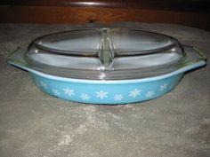 Vintage 1957 Pyrex Teal & White Snowflake 1 1/2 Quart Oval Divided Cinderella Baking Dish Casser