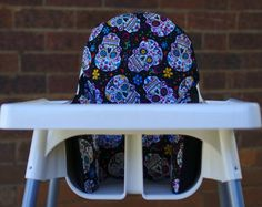 A sugar skull IKEA high chair cover. Perfect for personalising your bubba's high chair or rocking Halloween - Pear of Stitches on Etsy