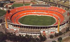 The old Estadium S. Soccer Stadium, Football Stadiums, Football Soccer, Soccer Pictures, Old Pictures, Portugal, Las Vegas Slots, Stadium Architecture, My Dream Team