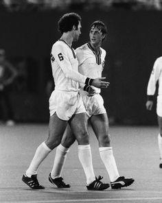 Beckenbauer y Cruiff en el Cosmos de Nueva York