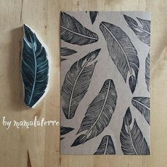 Fabric printing block stamp Taken by bymamalaterre on Tuesday November 2015 Stamp Printing, Printing On Fabric, Screen Printing, Stencil, Eraser Stamp, Illustration Blume, Stamp Carving, Fabric Stamping, Handmade Stamps
