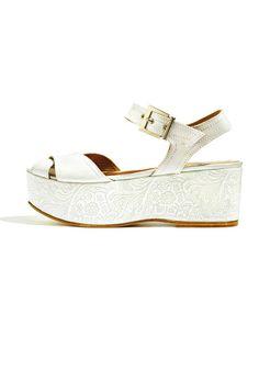 50 paires de sandales plates pour flâner cet été. Marie Claire ... 224e9f5add50