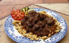 Vegyes saláta: Szarvaspörkölt Waffles, Beef, Breakfast, Recipes, Food, Meat, Morning Coffee, Essen, Waffle