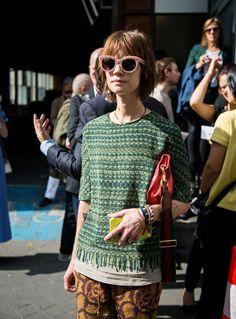 Te mostramos los looks más cool que se vieron por las calles de París durante Fashion Week. Aprovecha y toma inspiración de los mismos para armar tus próximos outfits.