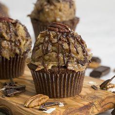 German Chocolate Cupcakes, Chocolate Cupcakes Filled, Filled Cupcakes, Chocolate Cups, Delicious Chocolate, Melting Chocolate, Chocolate Ganache, Chocolate Bourbon, Cupcakes For Men