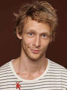 """Johnny Lewis, best known for playing Kip """"Half-Sack"""" Epps in the first two seasons of the TV series Sons of Anarchy, died on September 26th aged 28. Lewis had reportedly been in a downward spiral leading up to the day of his death, including being arrested and charged with assault in January. It is believed that Lewis jumped or fell from the roof of the home where he was a tenant - his 81-year-old landlady was also found dead inside the building and Lewis is a suspect in her murder. Sons Of Anarchy Actors, Serie Sons Of Anarchy, Johnny Lewis, Gone Too Soon, Thing 1, Before Us, Serial Killers, True Crime, Actors & Actresses"""