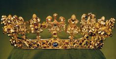 Woman's eagle crown, probably belonging to part of Blanche of Valois Queen consort of Germany and Bohemia by her marriage to King and later Holy Roman Emperor Charles IV, ca. Royal Crowns, Royal Tiaras, Crown Royal, Tiaras And Crowns, Royal Jewelry, Gold Jewelry, Vintage Jewelry, Wheat Wedding, Faberge Eier