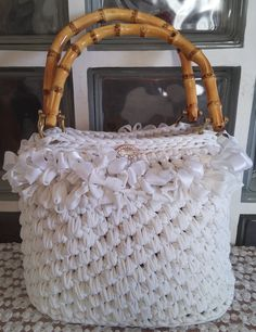 Shopping bag Annetta. Manici in legno. Uncinetto. Crochet.