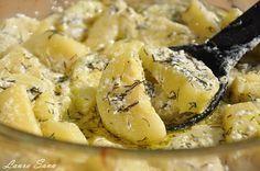 Dovlecei cu smantana la cuptor Romanian Food, Romanian Recipes, Quiche, Camembert Cheese, Potato Salad, Macaroni And Cheese, Mai, Potatoes, Ethnic Recipes