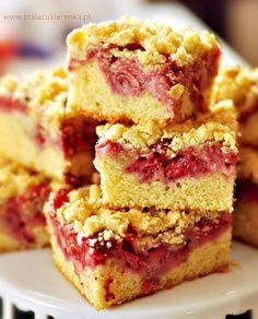 ciasto z owocami i kruszonka. Best cake with strawberries (or other fruit) and almond crumble. Scones, Polish Recipes, Polish Food, Strawberry Cakes, Some Recipe, Desert Recipes, No Bake Cake, Cupcake Cakes, Fruit Cakes