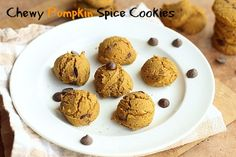 Chewy Pumpkin Spice Cookies - A low sugar treat that& made with gluten-free buckwheat flour! A delicious Fall-inspired dessert. Gluten Free Recipes, My Recipes, Vegan Recipes, Dessert Recipes, Desserts, Pumpkin Spice Cookies, Low Sugar, Buckwheat, Glutenfree