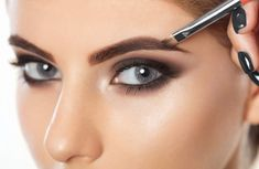 7 Simple Ways To Have Pretty Eyebrows Very Soon. - Do it Smart Pure Castor Oil, Black Castor Oil, How To Grow Natural Hair, Natural Hair Styles, Pure Coconut Oil, Thick Eyebrows, Grow Hair, Face Care, Makeup Remover