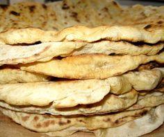 Turte Romanian Food, Bulgaria, Bread Recipes, Ukraine, Georgia, Breakfast, Amazing, Lolly Cake, Spice