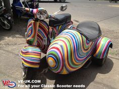colourfull Vespa with sidecar Scooters Vespa, Vespa Ape, Piaggio Vespa, Lambretta Scooter, Scooter Motorcycle, Motor Scooters, Scooter Scooter, Motos Retro, Scooter Custom