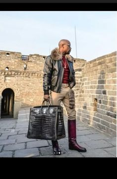 Floyd Mayweather Got Paid $3million To Go Vacation In Beijing China (Photo)
