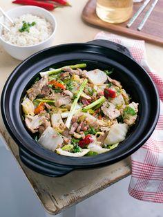 Wok met Chinese kool, varkensvlees en rijst
