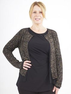 This marled top is perfect for afternoon drinks with the girls!