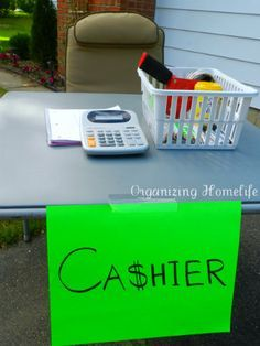 How to Have a {Very} Successful Yard Sale ~ Organizing Your Sale & Other Tips – Organizing Homelife - Modern Garage Sale Organization, Garage Sale Tips, Organization Hacks, Organizing Tips, Garage Sale Pricing, Cleaning Tips, Yard Sale Signs, For Sale Sign, Garages