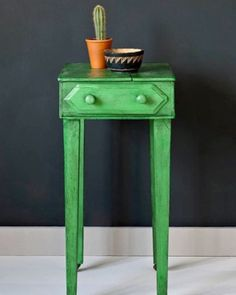 Annie Sloan side table painted in Antibes Green and waxed with Black Chalk Paint® Wax. Styled with mini cactus pot. Furniture Direct, Rustic Country Furniture, Antibes Green, Painted Furniture, Cheap Furniture, Green Painted Furniture, Chalk Paint Wax, Outside Furniture, Green Furniture