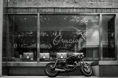 Kawasaki Estrella Monochrome