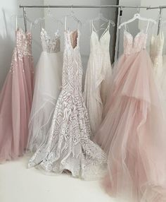 Wedding dress goals ����✨ @misshayleypaige NEVER disappoints! #weddingdress #wednesday #weddinggown #dress #dressgoals #weddinginspiration #bridalinspiration #bridalgown #bride #fiance #misshayleypaige #bridalstyle #weddingplanner #weddingplanning #lovelieghweddings #lace #blush #ivory #white #champagne #tulle #sweetheart http://gelinshop.com/ipost/1521818919077034362/?code=BUelj50Djl6