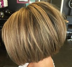 Golden bayalage on brunette base Blunt Bob Hairstyles, Bob Hairstyles For Thick, Thin Hair Haircuts, Pretty Hairstyles, Hair Color And Cut, Haircut And Color, Hair Highlights, Hair Trends, Short Hair Styles