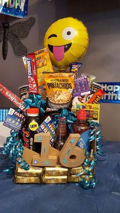 birthday bouquet for boy – Birthday Presents 16 Birthday Presents, Birthday Gifts For Teens, Birthday Gifts For Best Friend, 16th Birthday Present Ideas, 16th Birthday Ideas For Girls, Boy 16th Birthday, Boy Birthday Parties, Diy Birthday, Birthday Present For Boyfriend