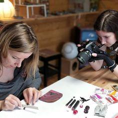 Silence on tourne !  Aurélia élève de e-artsup est venue filmer un reportage à l'atelier.  A découvrir prochainement !   http://ift.tt/2EqqlQD . #fimo #creathome #polymere #reportage