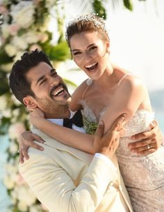 """Burak Ozcivit and Fahriye Evcen got married in Sait Halim Pasha Mansion, Istanbul on June photo makes me so happy.If you ever watch """"Lovebird"""" you will know why.two sweeties in love. Wedding Ideias, Actrices Hollywood, Turkish Actors, Beautiful Couple, Beautiful Moments, Wedding Makeup, Couple Goals, Cute Couples, Istanbul"""