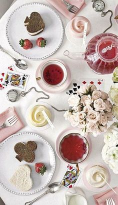 mad hatter tea party idea - need to do one of these | http://partyideascollections.kira.lemoncoin.org