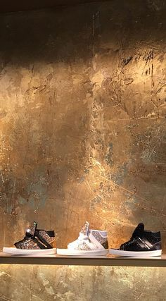 Gold Leaf - Gilded, cracked resin plaster distressed and carved handmade by Stua. - Stuart Fox Studio - - Gold Leaf - Gilded, cracked resin plaster distressed and carved handmade by Stua. Faux Walls, Plaster Walls, Gold Walls, Textured Walls, Tapete Gold, Distressed Walls, Tadelakt, Wall Finishes, Faux Paint Finishes