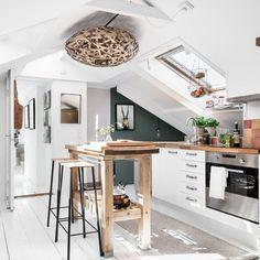 Attic Apartment, Attic Rooms, Attic Spaces, Studio Apartment Kitchen, Attic Design, Küchen Design, House Design, Interior Design, Small Attics