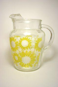 Vintage Glass Daisy/Sunflower Pitcher
