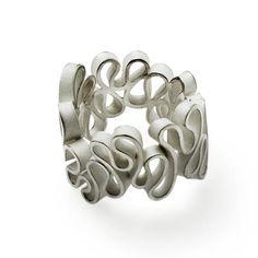 Flamenco ring in silver. Design Emquies-Holstein