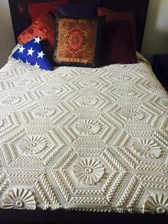 Best 12 joined together. To top it off this classic vintage crochet pattern is a fringe border. If you're looking to add an elegant statement piece to your boudoir, then you'll definitely want to make this stunning crochet bedspread. Crochet Blanket Tutorial, Crochet Bedspread Pattern, Diy Crafts Crochet, Vintage Crochet Patterns, Afghan Crochet Patterns, Crochet Home, Free Crochet, Knitting Patterns, Vintage Bedspread