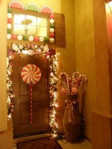 We decorated the outside of our house to look like a gingerbread house.!!