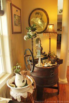 http://creativecountrymom.blogspot.com/2014/09/decorating-with-vintage-enamelware.html