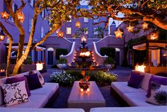This is a gorgeous courtyard. How stunning and magical would it be to have a summer evening soiree here?