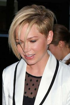 Michelle Williams Asymmetrical Hair Pixie