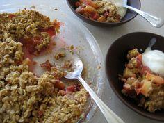 Old-Fashioned Rhubarb Crunch Best Comfort Food, Comfort Foods, Rhubarb Crunch, Cookie Pie, Old Fashioned Recipes, No Bake Treats, Cobbler, Frugal Living, Tarts