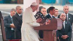 El Papa Francisco llegó esta tarde al aeropuerto internacional de La Habana, en su primer viaje a Cuba. En su discurso el Santo Padre reiteró el llamado de San Juan Pablo II para que la Isla se abra al mundo y el mundo se abra a Cuba.