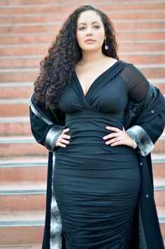 girlwithcurves.tumbler.com - Haute Holiday outfit [This dress is magnificent! Just might have to invest...]