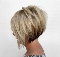 Blonde Inverted Bob, Short Inverted Bob Haircuts, Graduated Bob Haircuts, Bob Hairstyles For Thick, Sassy Haircuts, Trendy Haircuts, Modern Hairstyles, Short Blonde, Hairstyles Haircuts