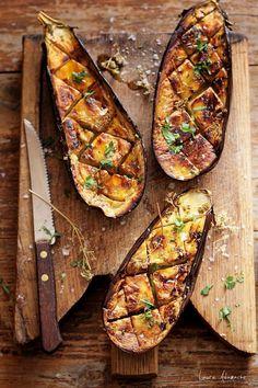 Vinete picante coapte, un rasfat pentru cei care iubesc vinetele. Mod de preparare si ingrediente vinete coapte. Vinete picante coapte reteta.