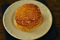 clatite cu faina de malai si iaurt Pancakes, French Toast, Sweets, Vegan, Breakfast, Desserts, Food Ideas, Morning Coffee, Tailgate Desserts