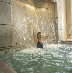 Waterfall bathtub~ sunken bathtubs