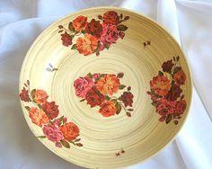 Model platou bambus decorat trandafiri rosii si roz - trandafiri infloriti si trandafiri imbobociti Serving Bowls, Decorative Plates, Tableware, Model, Home Decor, Bamboo, Dinnerware, Decoration Home